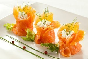 Aumoni res de saumon fum la ricotta recette de no l for Entrees froides faciles